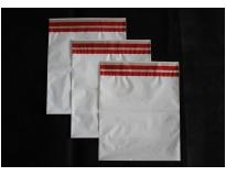 Envelopes plásticos de adesivos no Jabaquara